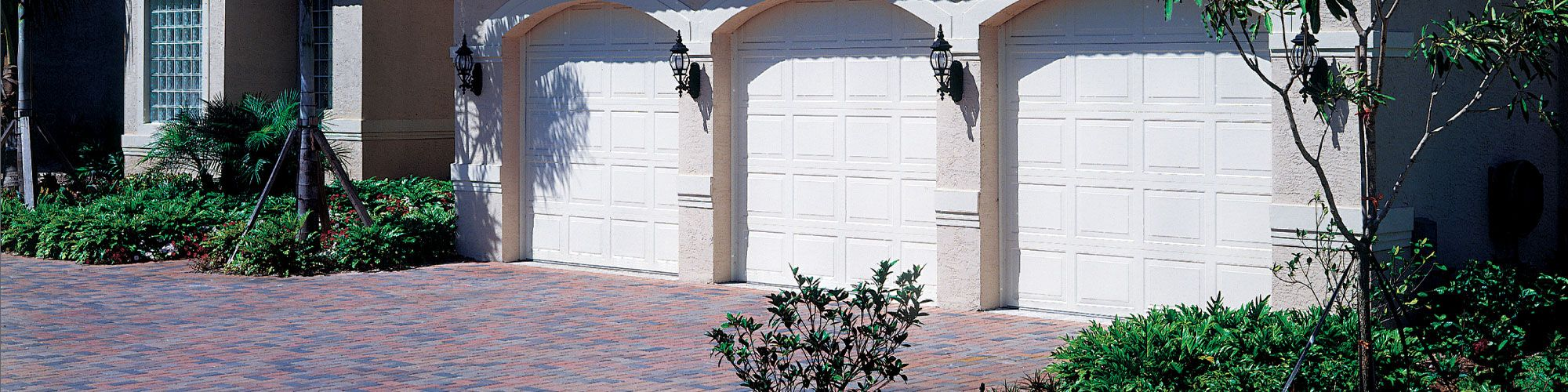 How to Select A Hurricane-Ready Garage Door
